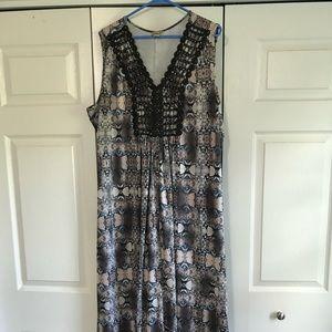 OneWorld Maxi Dress in EUC!